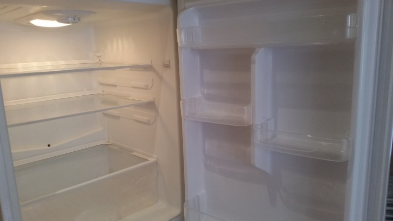 picture of a very clean fridge