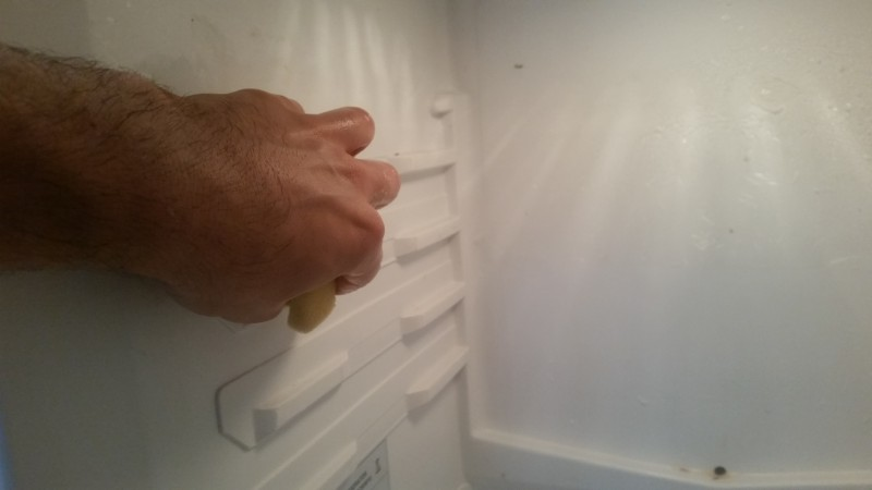 how to clean inside your fridge